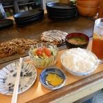 きっちん - ハーフ&ハーフの定食¥680+¥200