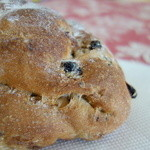 ダーシェンカ - 店名と同じ名のパン「ダーシェンカ」はクルミと干し葡萄の天然酵母
