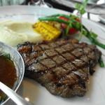 Peter - USビーフ 穀物で育てられた牛さんのリブアイグリル 紫蘇と大根のはいった醤油ベースのソースです