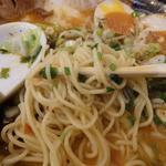 19902160 - 麺はトンコツ用ながら黄色味がかり