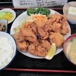 太田や食堂 - 唐揚げ定食950円