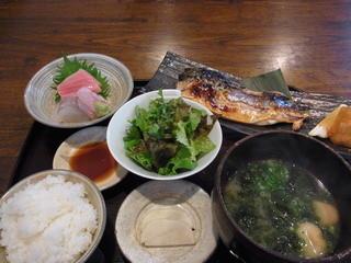 林栄門 - 焼きさばと刺し身定食(1350円)