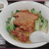 栄慶 - ラーメン??定食メニューの裏に麺類が隠れています。