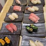 あっぱれ寿司 - まとめて注文しても1皿ずつ来ます