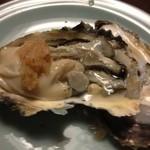 きじ家 - 岩牡蠣二個甘い
