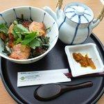 伊達な茶屋 - 料理写真:仙台はらこ茶漬け