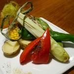 ガルニ - 炭火焼き野菜の盛り合わせ (780円)