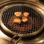 (卸)調布食肉センター - ホルモン