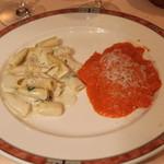 エリオ・ロカンダ・イタリアーナ - ゴルゴンゾーラチーズのリガトーニ と ラヴィオリーニ オーロラソース