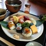 魚菜食房 すしぜん - すし膳1380円