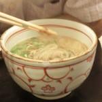 信濃庵  - かけ蕎麦。550円。