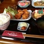 うめの店 - 日替わり鶏の唐揚げ定食¥900