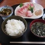 大新 - 料理写真:鯉あらい定食¥800