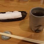 石臼挽き手打 蕎楽亭 - おしぼりと蕎麦茶
