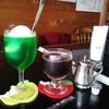 エスプレッソ105 - ドリンク写真:左:ソーダフロート \600、右:アイスコーヒー(深炒りブレンド) \500