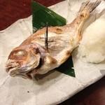 魚問屋 魚一商店 - 花鯛塩焼き