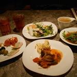 元気な食卓 - 最初に取った料理