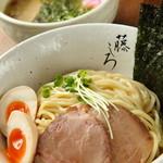 藤しろ - 鶏白湯つけ麺、ラーメンのスープをベースに鰹や甘味、酸味をプラスし一段上の美味しさを表現しました。