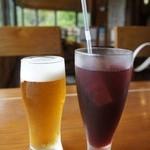 キースプリング - ビールと山梨県産ぶどうジュース