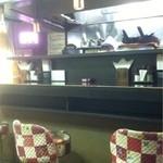キッチンクレソン - レストラン&パブ風な店内。