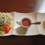 19934360 - ランチセットの前菜(サラダ、トマトのソルベ、バゲット)