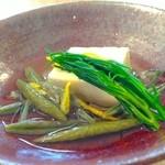 19936483 - * 炊き合わせ(冷し鉢)                       ・こおり豆腐                       ・おかひじき                       ・大沼のじゅんさい