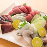 蔵 Kuran - 新鮮な沖縄の近海魚の刺身