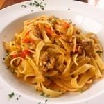 カフェレストラン ラヴィータ - あさりとパプリカのラグー・タリアッテレ