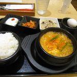 スンドゥブ&石焼ビビンバ Red Pit - 新宿純豆腐