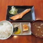 粋 - 料理写真:焼魚定食(サーモン西京焼き) 700円