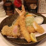 とん太 - 特選定食 特ミックス (2013/07)