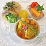 ビストロペイザンヌ - 前菜3種類。