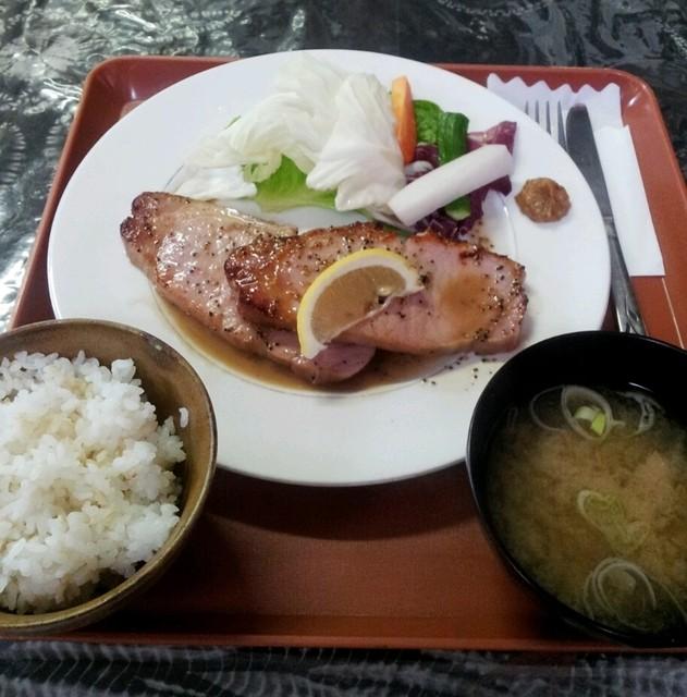 フレスガッセ - ハムステーキ定食