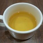 えび伝茶屋 - ごぼうのスープを飲みながら待ちますよ!