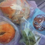 モンフルニエ - くるみパン・クッキー・玉ねぎパン・抹茶むしパン