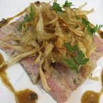 刈谷スプーン - イベリコ豚のロースト ジュニパーベリー風味 刈谷新ごぼうのフリッツ添え