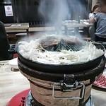 けむり屋 - ジンギスカン1人前の野菜とラム肉、けむりが出るからけむり屋さん。