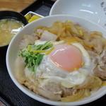 毛呂山食堂 - 豚玉毛丼(ぶったまげどん)