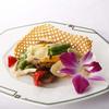 彩雲 - 料理写真:炒めものも吟味された食材を使用!