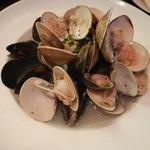 タマヤ - いろいろな貝の白ワイン蒸しハーブの香り