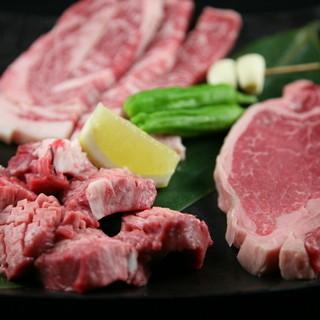 炭火焼き黒毛和牛と新鮮な国産ホルモン・三元豚サムギョプサル