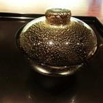 御料理 伊とう - <2013年7月>塗りではなく涼しげなガラスの器。