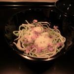 御料理 伊とう - <2013年7月>新和出汁の魚素麺。 新和出汁とは、昆布やカツオを使わずに引く出汁。トマト、鶏肉、干しシイタケを使って引いた新感覚の和出汁です。
