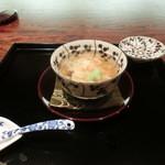 御料理 伊とう - <2013年7月>煮物椀。ボタンはもです。