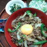 桃カフェ - 料理写真:夜の日替わり焼き肉丼定食