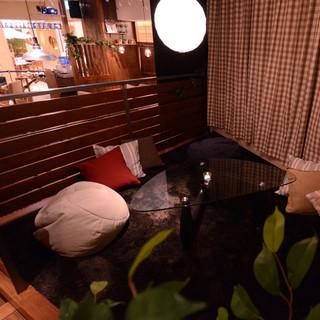 居心地のよさが魅力のソファ個室は、合コンに