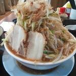 19992911 - 【ラーメン】 ヤサイ:マシマシ、にんにく:ナシ、脂:多め、カツオ:普通、味普通 650円