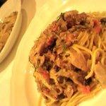 サルサ・ズッカ - 秋刀魚とウィキョウと松の実のスパゲッティ