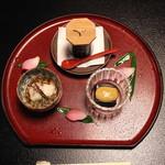 雑司が谷 寛 - 先附三種 (黒胡麻豆腐、相並葛打ち、つらら鮑)