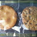こもり - 料理写真:草加焼き(やわらか)、ごま入り(やわらか)